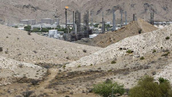 ملخص-وزير النفط العماني يريد استمرار اتفاق خفض الإمدادات حتى نهاية العام