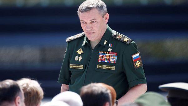 اجتماع نادر بين اثنين من القادة العسكريين في روسيا وحلف الأطلسي