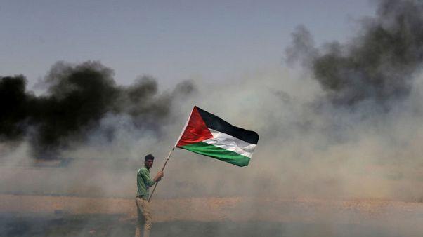 إسرائيل تلقي منشورات تحذر سكان غزة من الاقتراب من السياج الحدودي