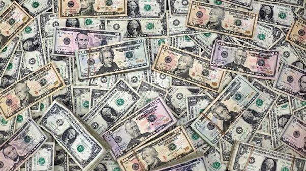 الدولار يرتفع مع زيادة عوائد السندات الأمريكية، والاسترليني يواصل التراجع