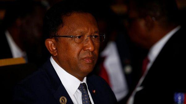 شرطة مدغشقر تطلق الغاز المسيل للدموع أثناء احتجاجات للمعارضة