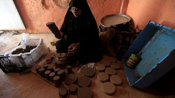 التربة الحسينية..تبرك واستشفاء ومصدر رزق في كربلاء العراق