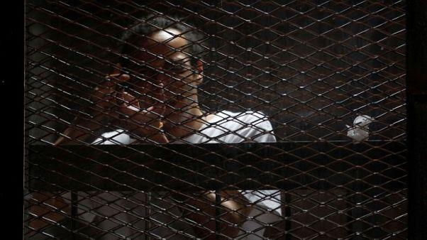اليونسكو تمنح جائزة حرية الصحافة للمصور المصري المحبوس شوكان رغم تحذير القاهرة
