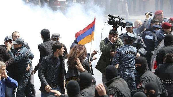 رئيس وزراء أرمينيا يستقيل بعد احتجاجات شوارع لمدة 11 يوما