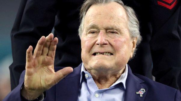 الرئيس الأمريكي الأسبق جورج بوش الأب يدخل مستشفى في هيوستون