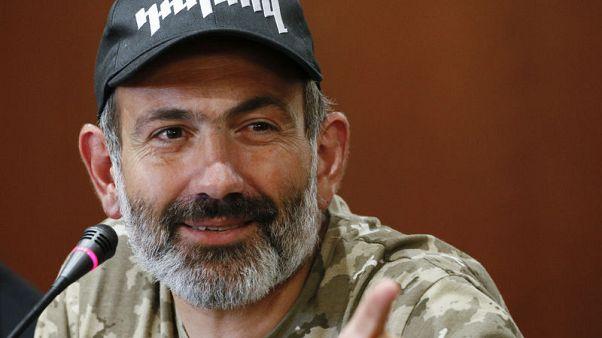 زعيم المعارضة الأرمينية يدعو لمسيرة جديدة يوم بعد إلغاء محادثات أزمة