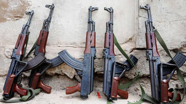 سرقة أسلحة من مركز تدريب إماراتي بالصومال وعرضها للبيع بمقديشو