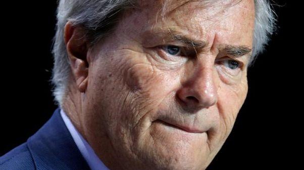 الملياردير الفرنسي بولور رهن التحقيق رسميا بشأن مزاعم فساد في أفريقيا