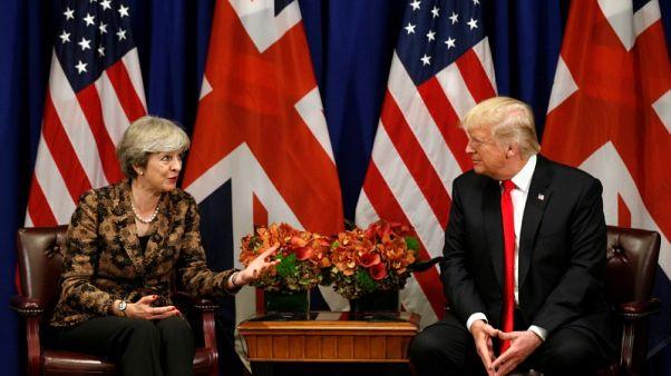 ترامب يزور بريطانيا في يوليو ويجري محادثات مع ماي