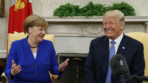 ترامب يقول إنه سيبحث قضايا إيران والتجارة مع ميركل