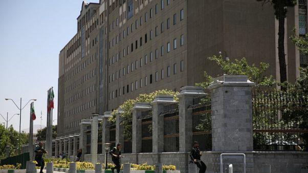 إيران تبدأ محاكمة متهمين في هجمات نفذتها الدولة الإسلامية