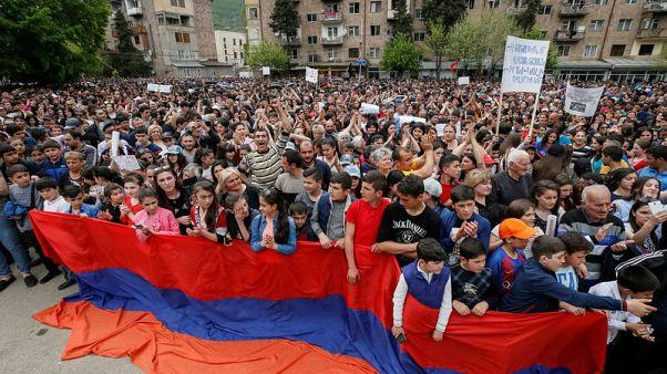 الحزب الحاكم في أرمينيا يقول إنه لن يقدم مرشحا لرئاسة الحكومة