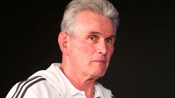 هاينكس يدعو الحكم للتحلي بالقوة في مواجهة ريال وبايرن