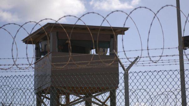 نقل أول سجين من مركز الاحتجاز في جوانتانامو في عهد ترامب