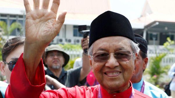 التحقيق مع زعيم معارضة في ماليزيا بموجب قانون نشر الأخبار الكاذبة