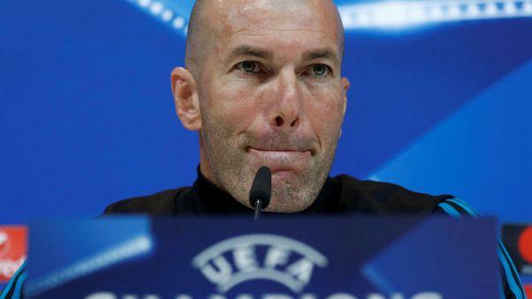 زيدان: ريال مدريد لن يقف في ممر شرفي لبرشلونة