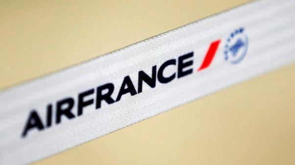 الحكومة الفرنسية تحث إير فرانس على المضي في إصلاحات مع استمرار الإضرابات