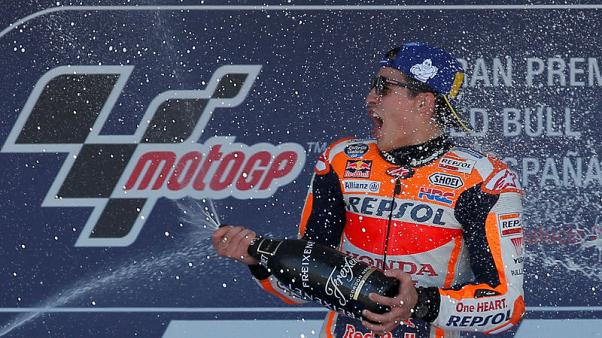 ماركيز يفوز في اسبانيا ويتصدر بطولة العالم للدراجات النارية
