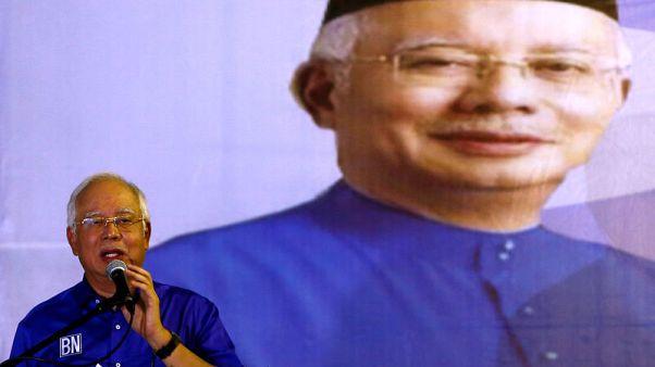 حقائق-رئيس الوزراء الماليزي يخوض أصعب انتخابات على الإطلاق يوم الأربعاء