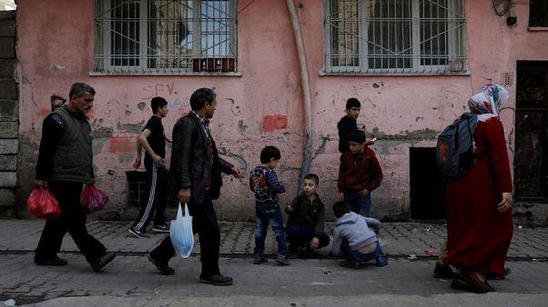 في قلب أرض الأكراد بتركيا .. معركة على البيوت والأصوات