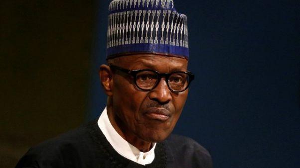 رئيس نيجيريا يقول إنه سيتوجه إلى بريطانيا للقاء الطبيب