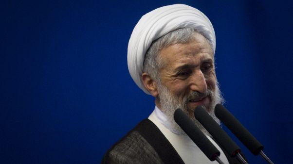 إمام لصلاة الجمعة في طهران: صدقت نبوءة خامنئي بفشل الاتفاق النووي