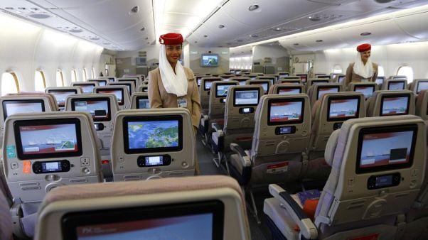 حصري-مصادر: طيران الإمارات تعاني من نقص في أطقم الضيافة على طائراتها