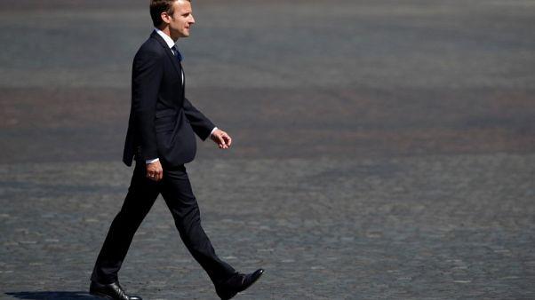 الرئيس الفرنسي يدعو لوقف تصعيد التوتر بعد ضربات خلال ليل الأربعاء في سوريا