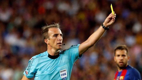 حكم إسباني يدير نهائي كأس اليونان لكرة القدم