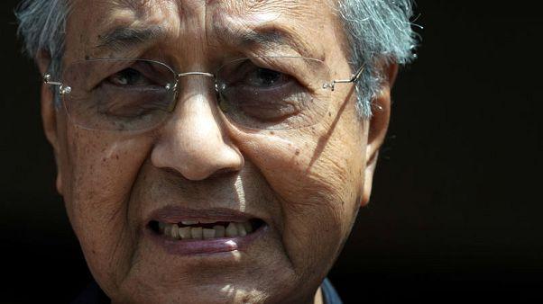 مهاتير: الملك مستعد للعفو عن السياسي الماليزي المسجون أنور إبراهيم