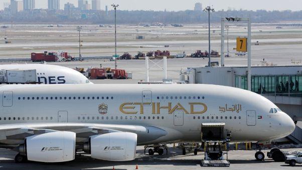 أمريكا والإمارات توقعان اتفاقا لتسوية مزاعم بشأن المنافسة بين شركات الطيران