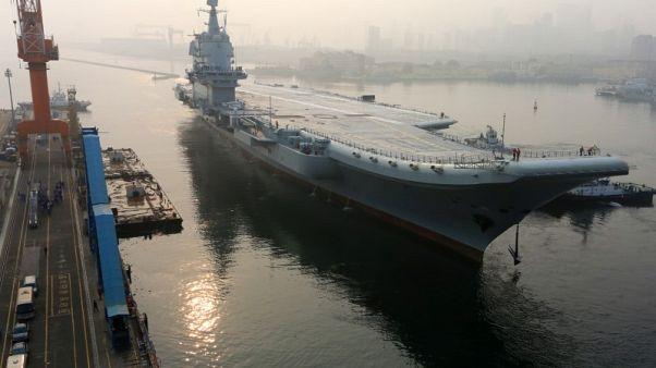 أول حاملة طائرات صينية مصنعة محليا تبحر في رحلة تجريبية