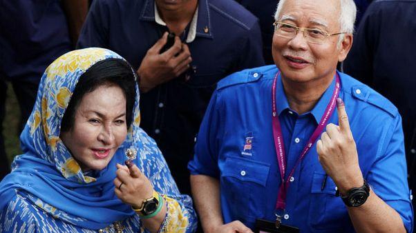 شرطة ماليزيا ستفحص تغطية كاميرات مراقبة لمجمع سكني مرتبط بأسرة نجيب