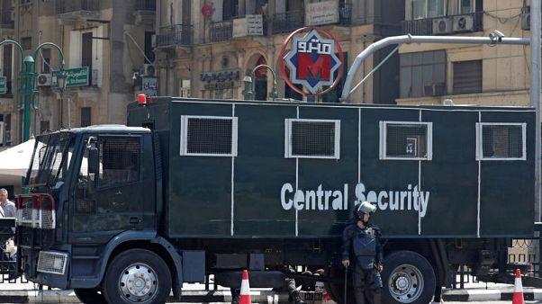 مصر تعزز الأمن خارج مترو الأنفاق بعد احتجاجات على زيادة أسعار التذاكر