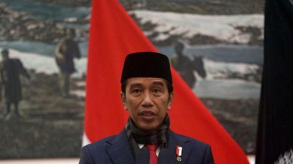 """الرئيس الإندونيسي يصف الهجمات في سورابايا بأنها فعل """"جبناء"""""""
