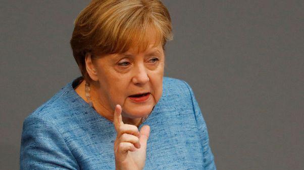 ميركل: العلاقات عبر الأطلسي يجب أن تصمد في وجه الخلاف بشأن الاتفاق النووي