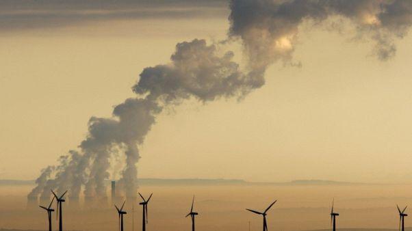 نواب: استراتيجية بريطانيا لتحقيق أهداف تغير المناخ لن تكون كافية