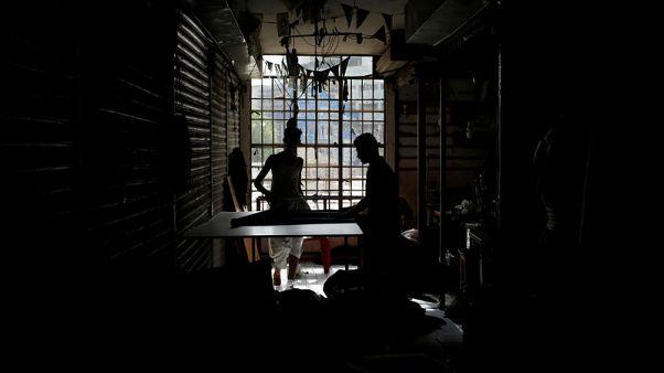 انقطاع الكهرباء عن مناطق واسعة من باكستان