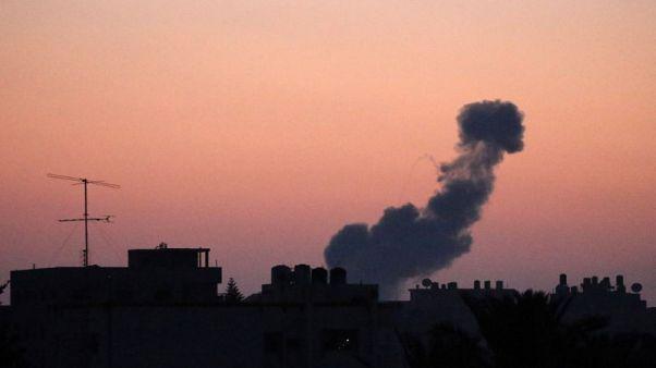 اشتعال الوضع على حدود غزة مع تبادل القصف بين النشطاء وإسرائيل