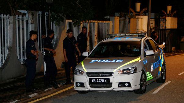 الشرطة تداهم منزل رئيس وزراء ماليزيا المخلوع
