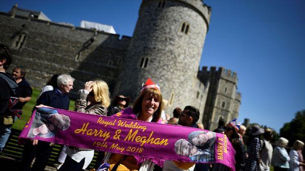 زفاف هاري وميجان يزيد الإقبال على تذاكر السفر من أمريكا لبريطانيا