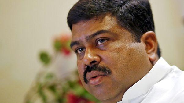 الهند تقول السعودية طمأنتها بشأن الإمدادات مع صعود أسعار النفط فوق 80 دولارا