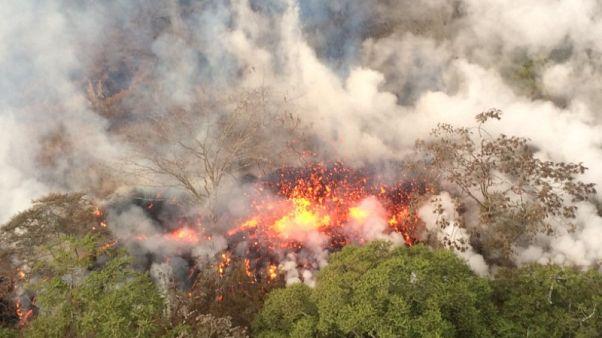 بركان هاواي ينفث رمادا إلى ارتفاع 9 كيلومترات وتوقعات بمزيد من الانفجارات