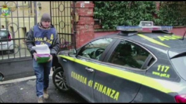 Tangenti: 21 arresti,anche ex magistrato
