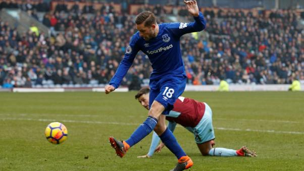 Sigurdsson included in Iceland's World Cup squad despite knee injury