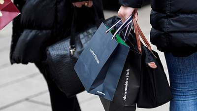 Euro zone consumer confidence dips slightly in May