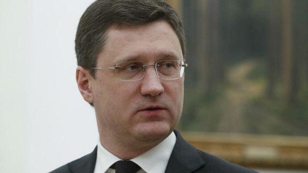 """وكالة: وزير الطاقة الروسي يقول من الممكن تخفيف القيود """"قليلا"""" على إنتاج النفط"""