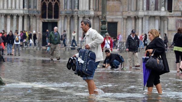 Lavori per protegge San Marco da marea