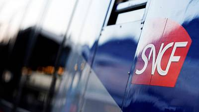 French state offers debt relief in return for railway shakeup