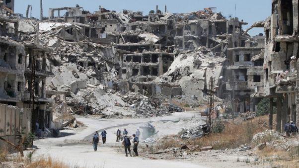 نظرة فاحصة-القانون 10 في سوريا يقلق اللاجئين والدول التي تستضيفهم